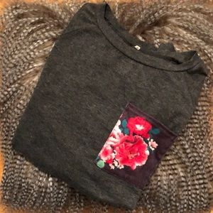 Tops - *3 for 12*Woman's Long sleeve Floral Top